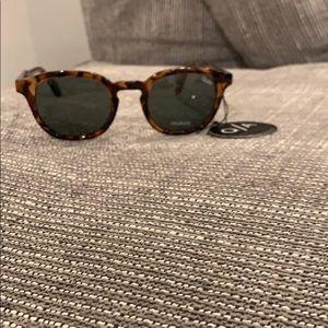 NWT QUAY glasses